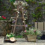 Un rincón especial con escalera de flores en tu boda
